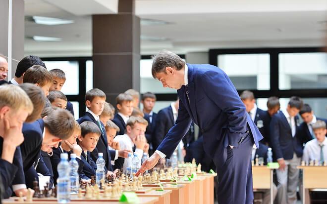 Сергей Галицкий продолжает играть в шахматы в свободное время