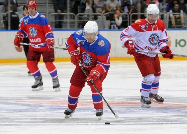 Владимир Путин любит играть в хоккей