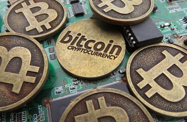Затишье на криптовалютном рынке: Bitcoin и основные альткоины застряли в узких диапазонах