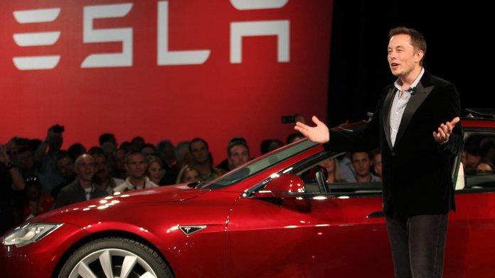 прибыль Tesla