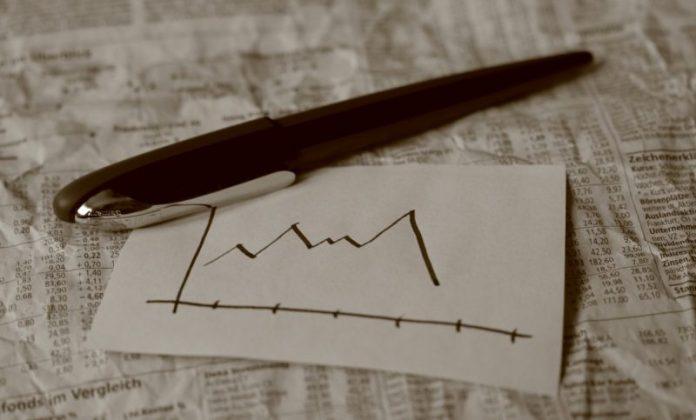 Цена на BTC упала до двухнедельного минимума, а ETH упал до $2 400