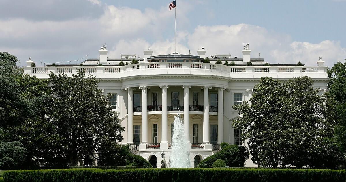 Белый дом: криптовалюты предлагают надежду, но представляют риски